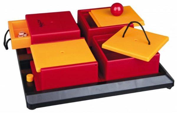 zabawki-pies-trixe-poker-box-1